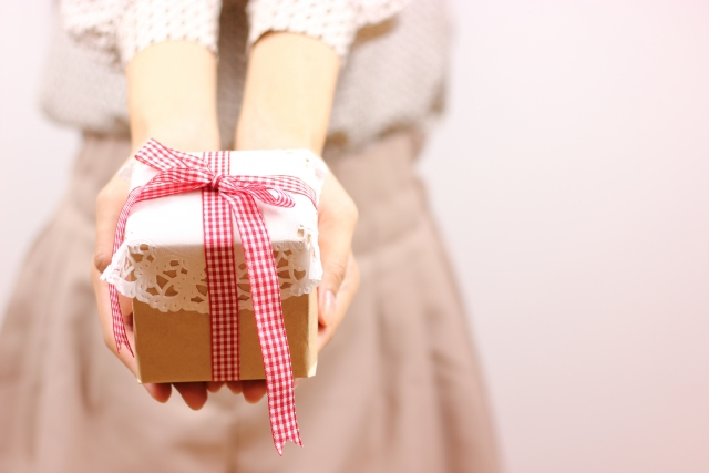 クリスマスプレゼントを未だ付き合ってない男性にあげるなら喜ぶのは何?人気ベスト5